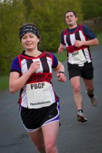 Looking comfortable ahead of my struggling brother....who then went on to beat me to the finish, bah!